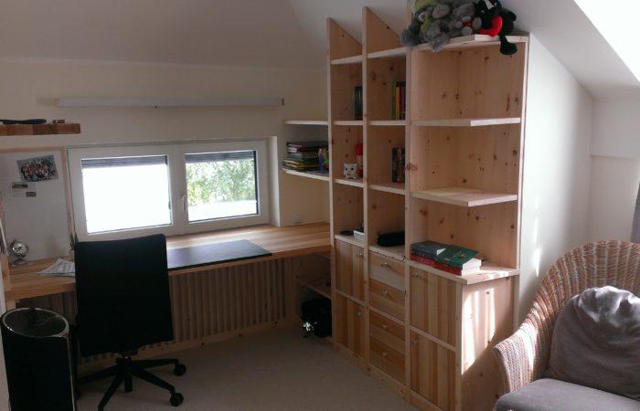 Kinderzimmer - Schreibtisch - Regale - Wiesner Tischlermöbel